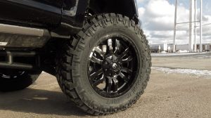 blacked out rims on truck tires